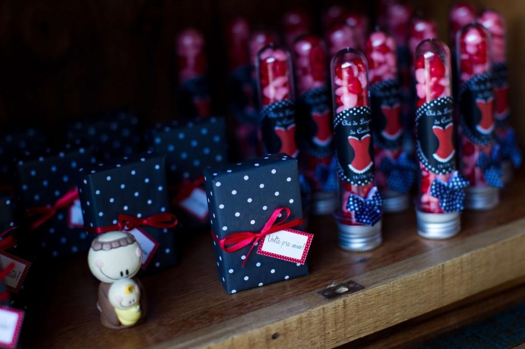 2A 1024x682 Chá de lingerie preto, branco e vermelho