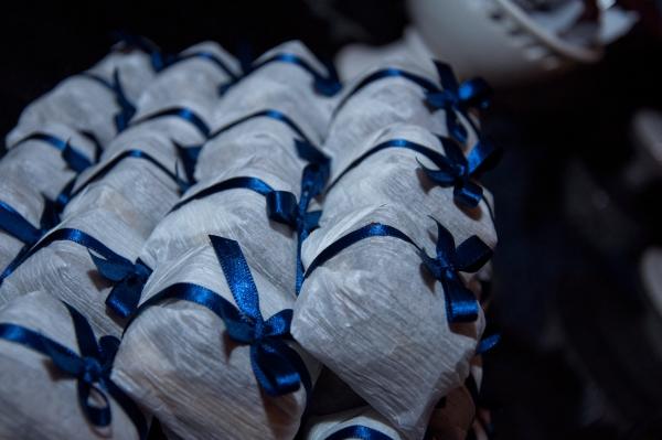 16a Azul e branco