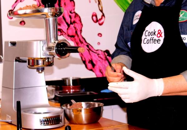 93 Cook & Coffee: Comidas de Boteco {Quibe e Linguiça}