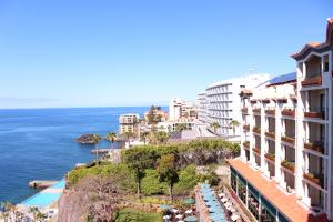 cliff bay hotel 4 copy 300x200 CLIFF BAY HOTEL 4 (Copy)