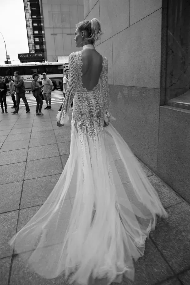 costas vestido noiva 1 Decote nas costas