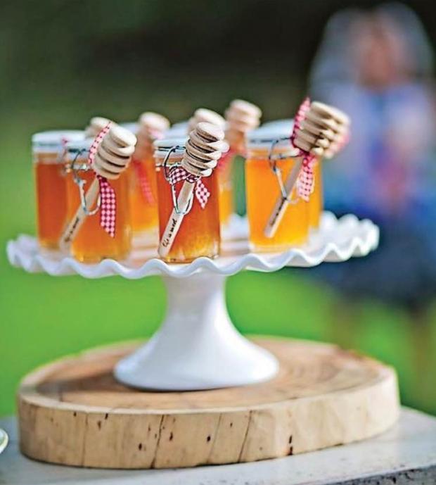 potinhos de mel lembrancinhas Potinhos de mel {lembrancinha para o chá}