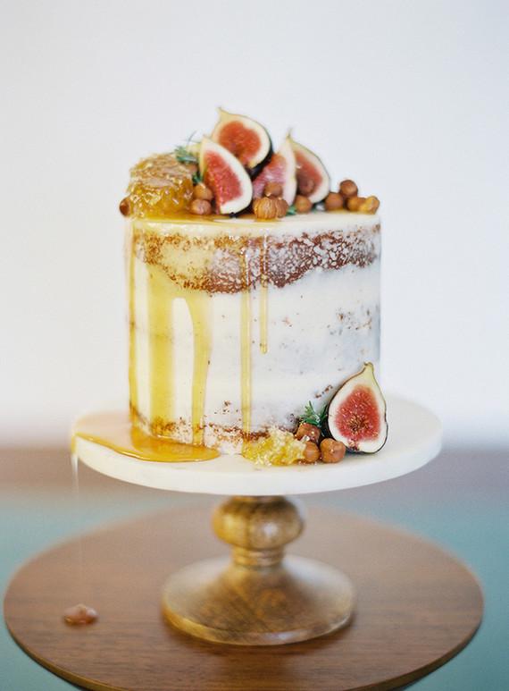 drip cake com frutas Drip cake (em 03 versões)