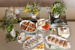 mesa de aperitivos 1 300x200 mesa de aperitivos 1
