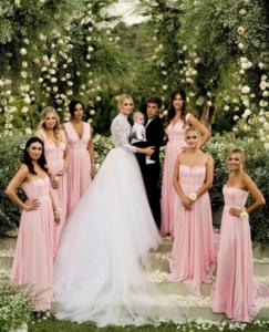 chiara ferragni wedding 5 243x300 CHIARA FERRAGNI WEDDING 5